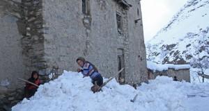 Suben-muertos-avalancha-Afganistan_MEDIMA20150226_0022_5