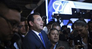 Morales-centro-Tribunal-Supremo-Electoral_LPRIMA20150907_0109_24