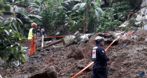 2016-11-23-halla-cadaver-de-desaparecido-durante-lluvias-por-tormenta-otto-10d-912388367